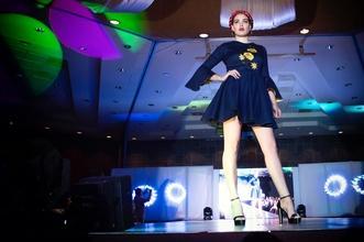 Si cercano modelle e modelli per eventi di moda