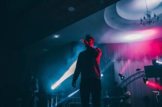 Ricerchiamo cantanti, interpreti e band per partecipare al festival di Sanremo