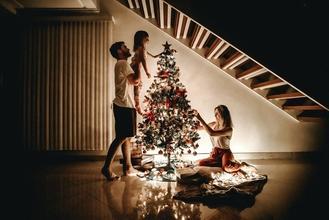 Si cercano attori, attrici e comparse per spot natalizio a Milano