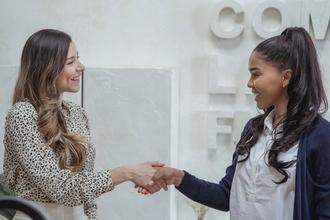 Si cercano hostess dai 18 anni per evento a Milano