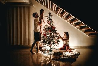 Si cercano uomini e donne tra i 35 e i 75 anni per per spot natalizio
