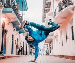 Casting performer - danza acrobatica, del tip tap e della giocoleria - e cantanti per importante evento a Roma