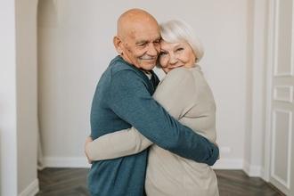 Si cercano uomo e donna dai 70 anni per cortometraggio