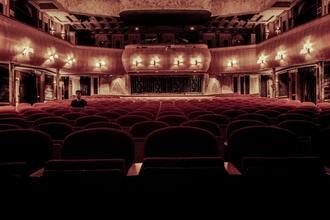 Si cercano attori,attrici e figurazioni per spettacoli teatrali