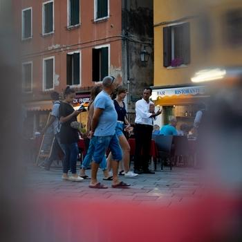 Si cercano attorie diattrici, di età compresa tra 30 e 50 anni, e dicomparse, tra 20 e 60 anni residenti in qualsiasi parte d'Italia